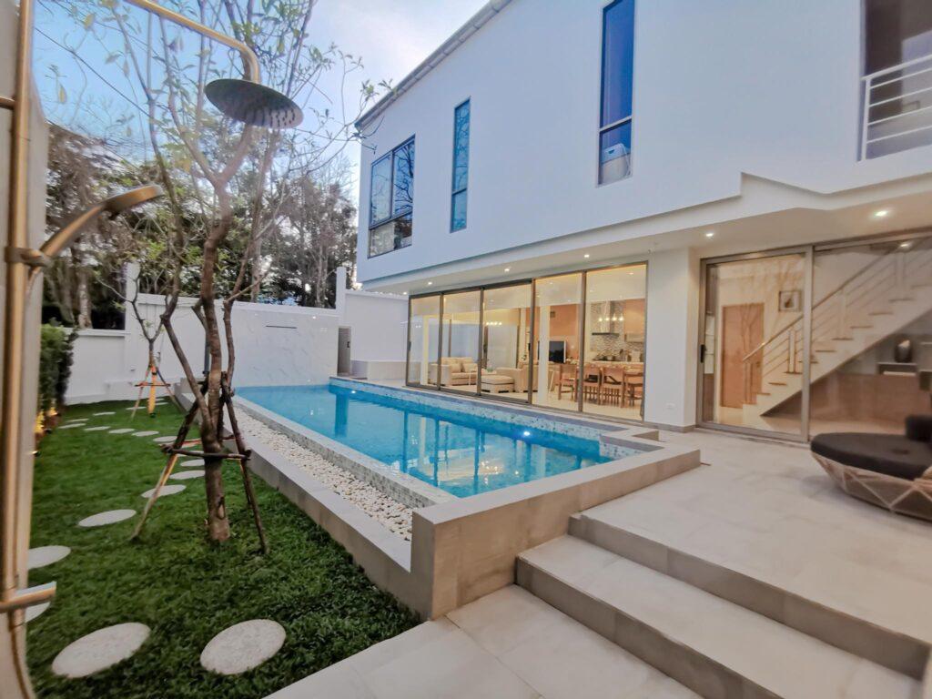 Minimal Modern Pool Villa